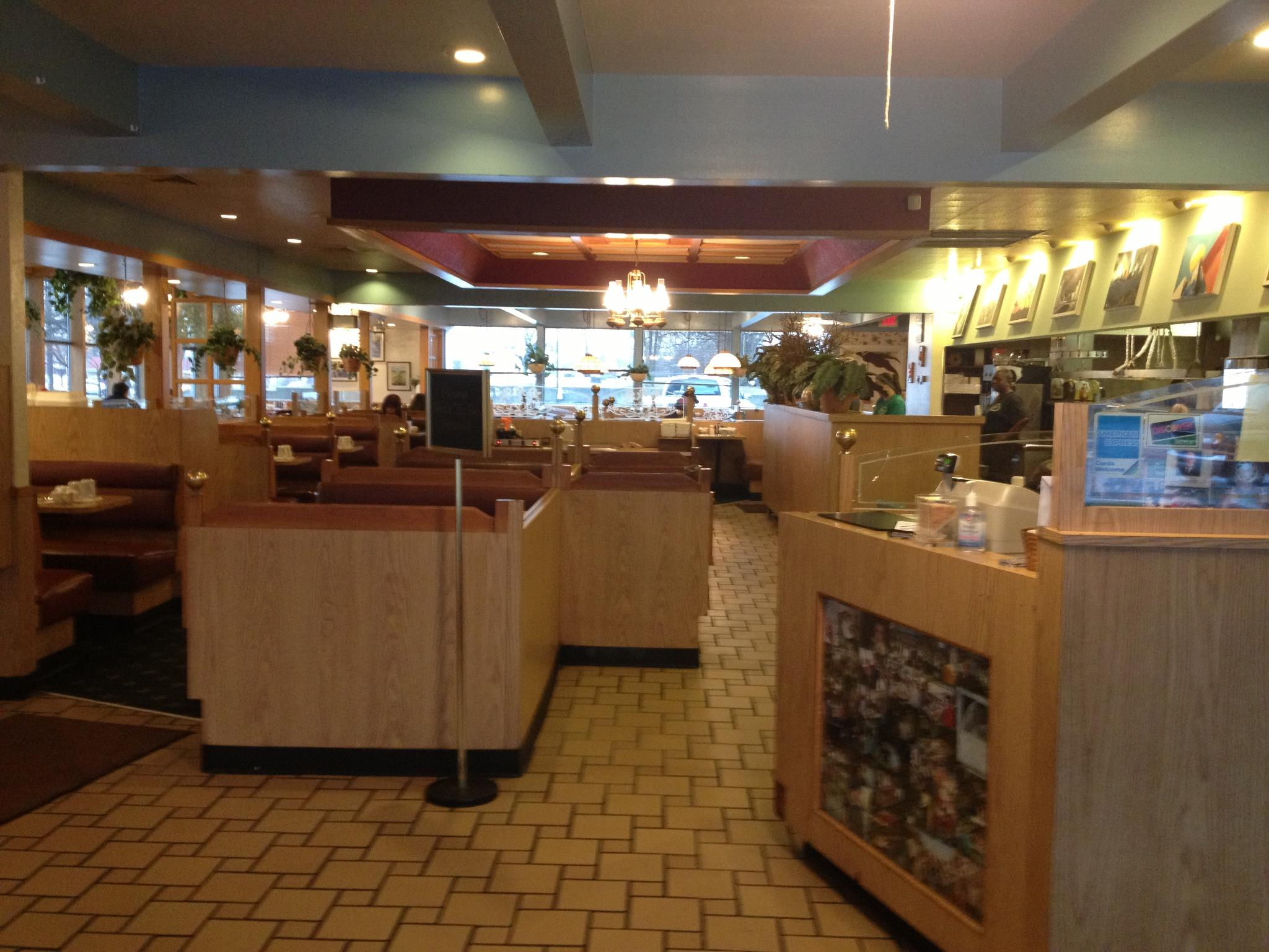 Aurora illinois area convention and visitors bureau visit eat nikarrys restaurant kristyandbryce Gallery