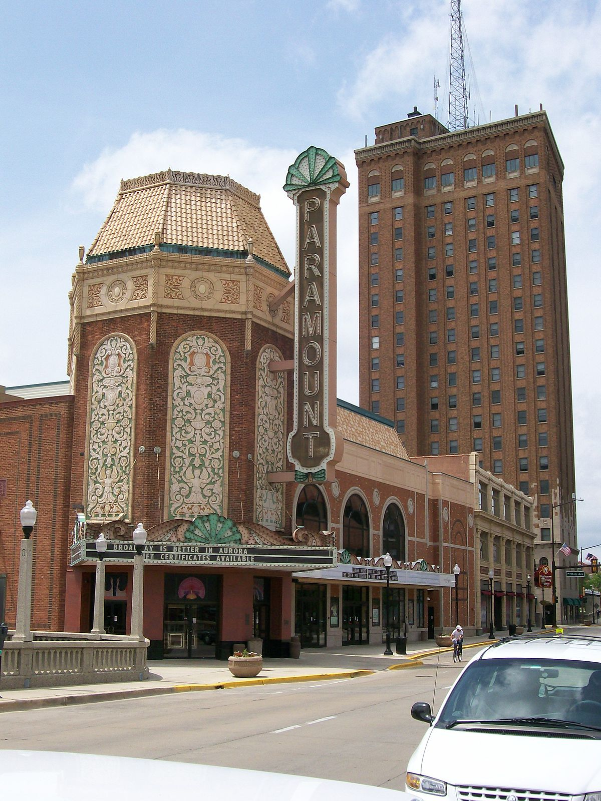 Paramount Arts Centre, 1931