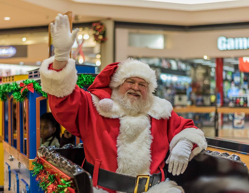 Santa Photos at Fox Valley Mall