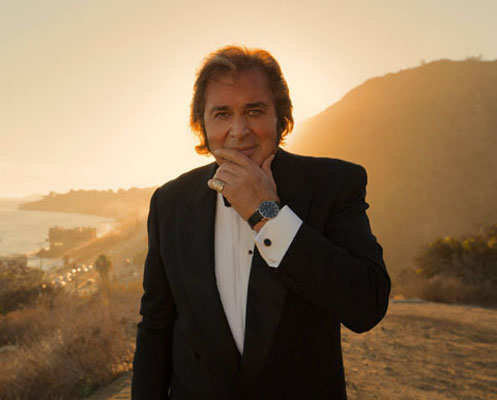 Englebert Humperdinck at Paramount Theatre in Aurora