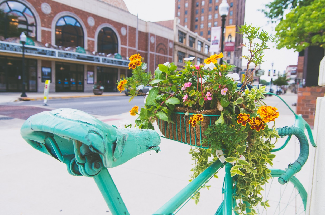 bikes-in-bloom-downtown-aurora