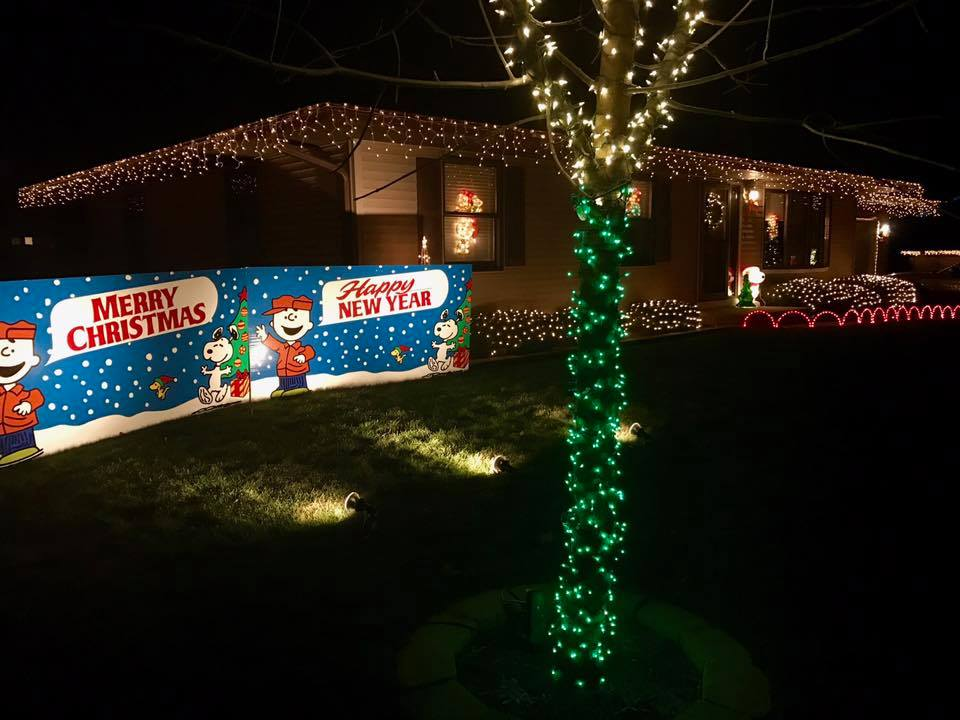 Aurora Christmas Lights 2021 Holiday Lights In The Aurora Area Enjoyaurora Com