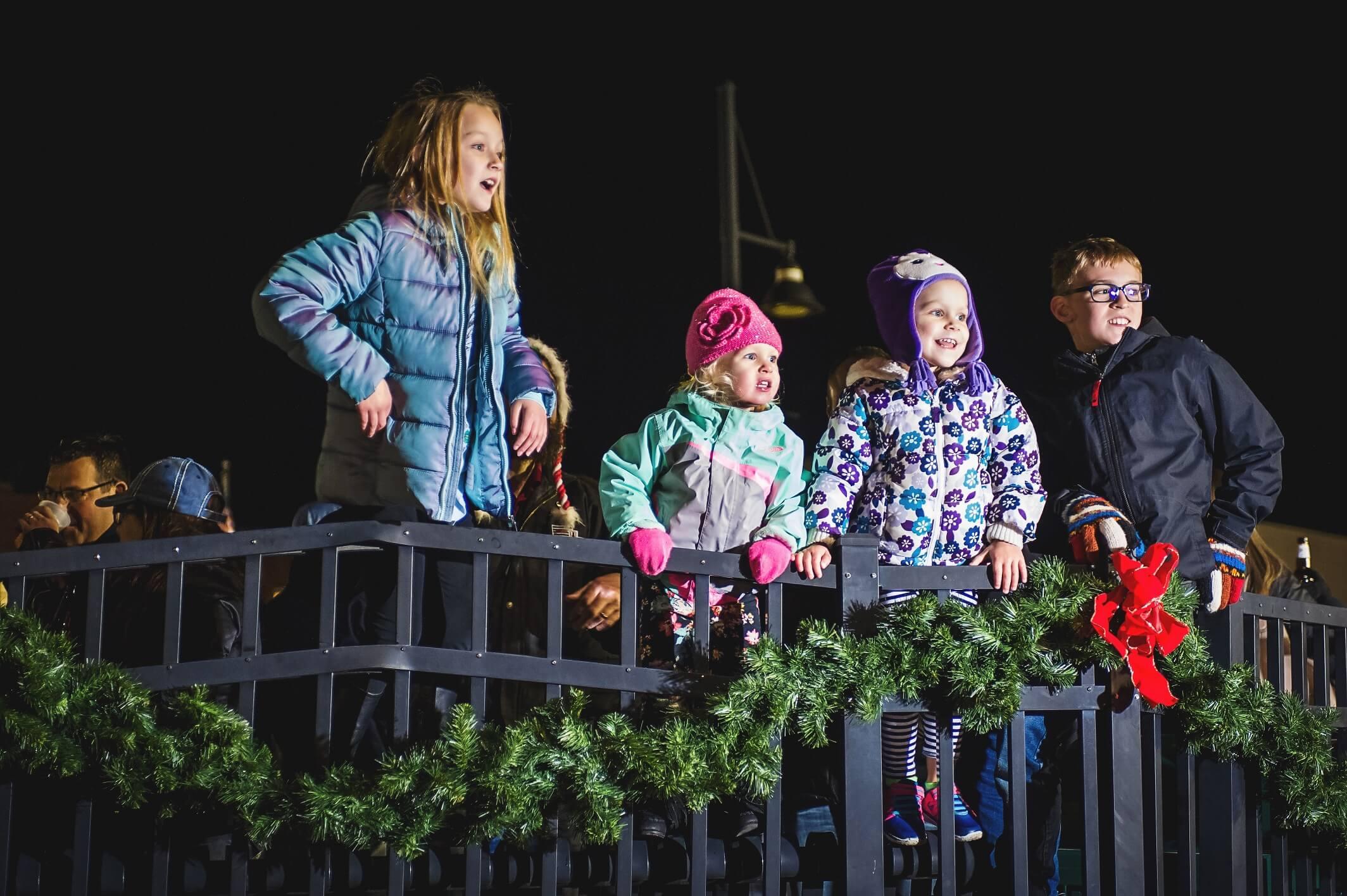/holiday-shopping-winter-fun-oswego-illinois