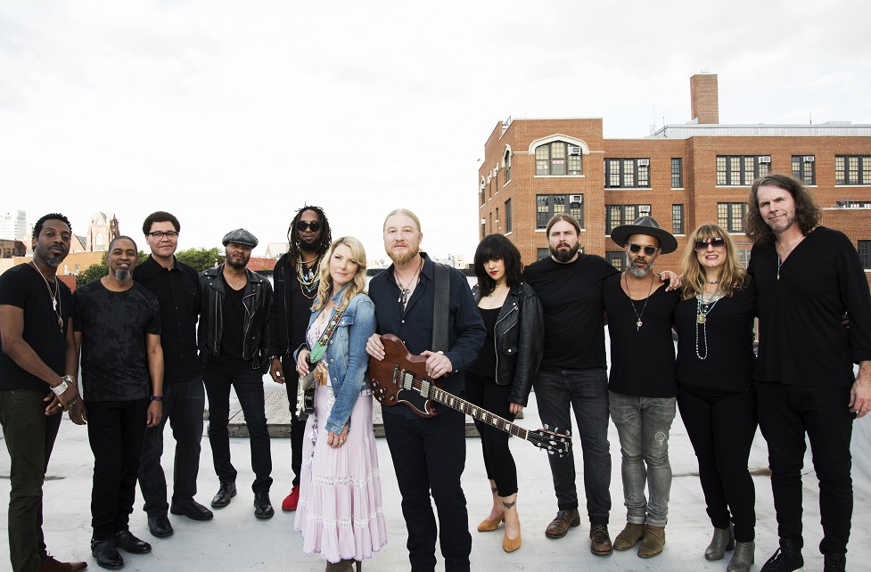 tedeschi-trucks-band-wheels-of-soul-tour-aurora-il