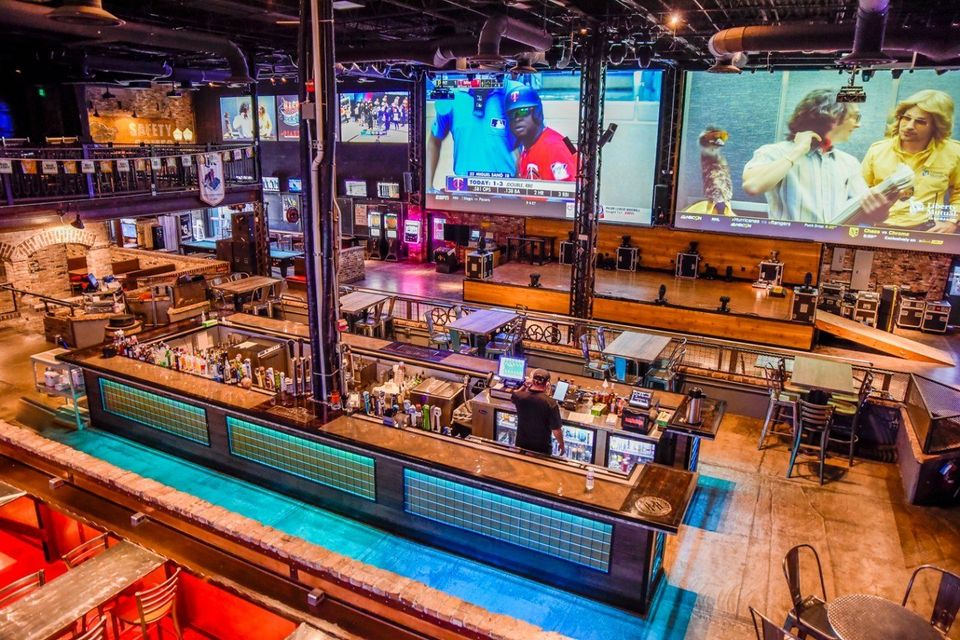/best-places-to-watch-sports-aurora-area-illinois