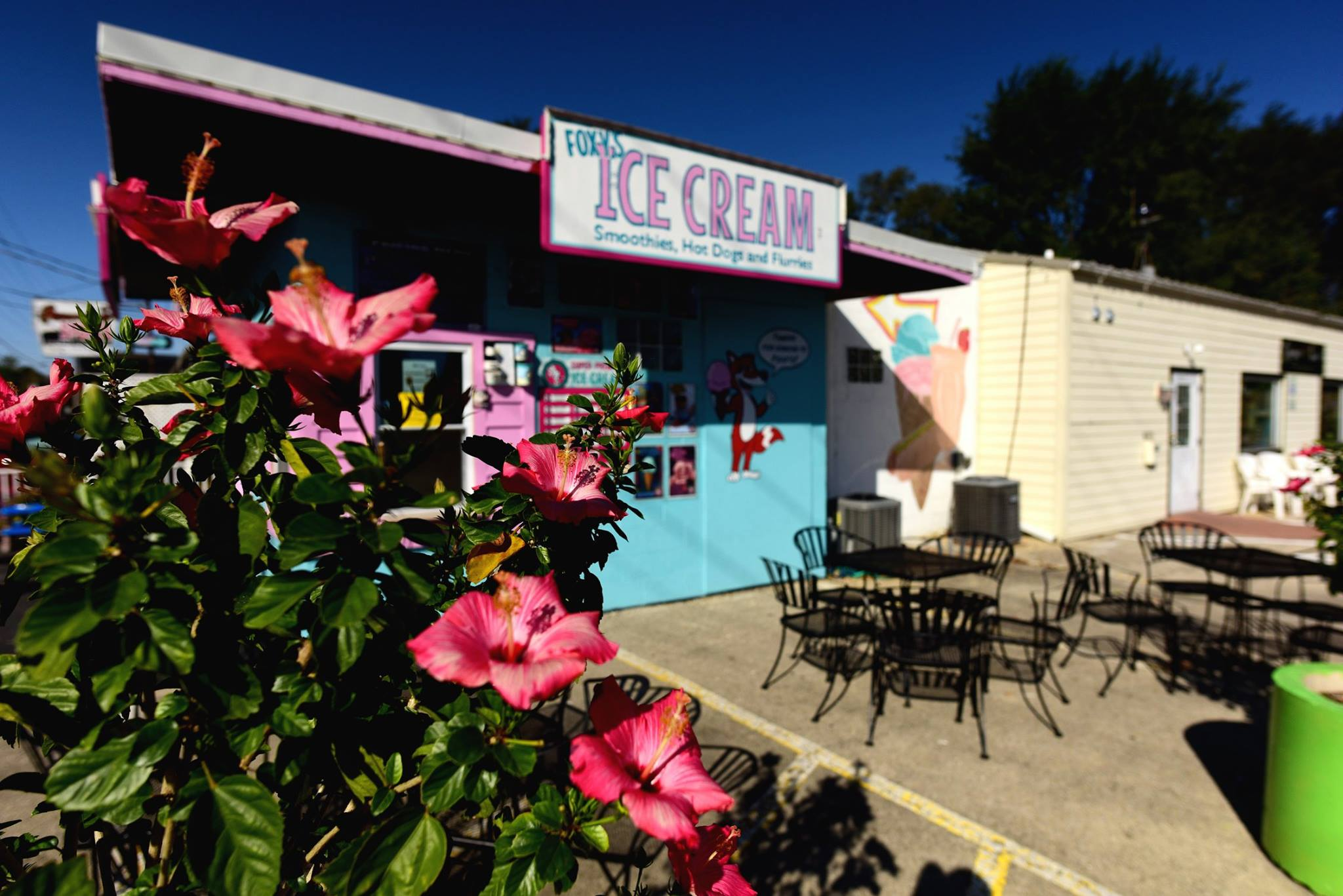 Foxy's Ice Cream and Restaurant